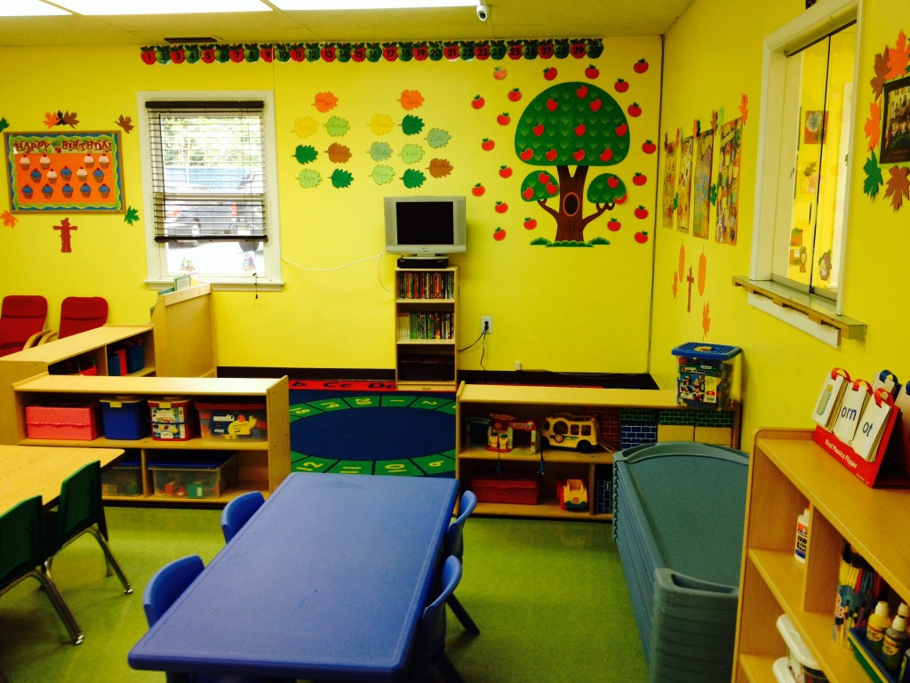 preschool classroom Setting up the preschool classroom [nancy vogel] on amazoncom free shipping on qualifying offers this book helps preschool teachers arrange and equip their classroom or center, including the outdoor play space in addition to explaining the principles of designing active learning preschool settings.